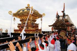 山車・神輿の競演